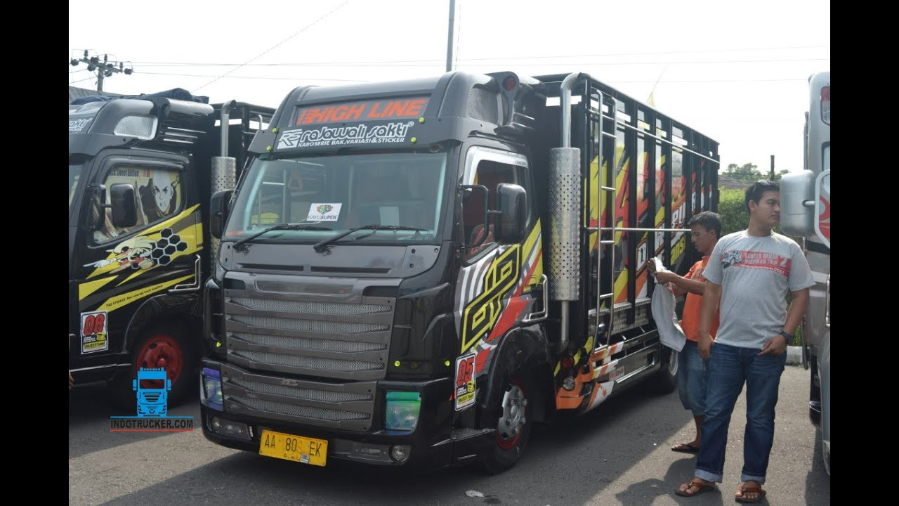Modifikasi Truk Fuso Canter Scania Black Edition Rajawali
