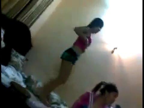 Ba nữ sinh ngáo đá, phê thuốc lắc điên cuồn tại phòng