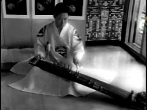 Korean Traditional Music - Kayagum Sanjo Variation (Filmed in 1966)