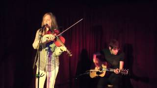 Lucia Comnes - There Must Be A Reason (The Green Note, London)