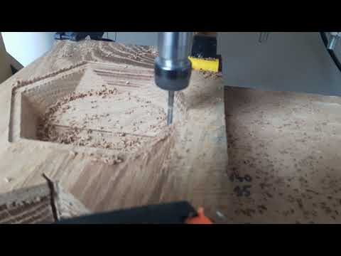 Hexagon bowl cutting in oak wood - homemade cnc