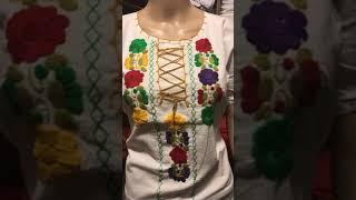 Blusa artesanal, bordada a mano