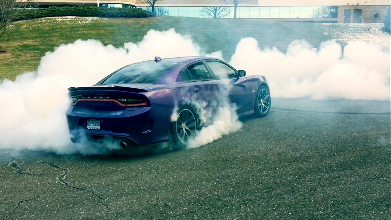 2017 Dodge Charger >> BURNOUT KING! - Dodge Charger Scatpack - YouTube
