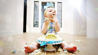 Our Baby Smashed The Cake!   Tips for Simplifying Party Planni…