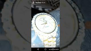 6b69673bb16b Almighty mostrando sus cadenas y su reloj rolex ...