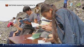 Школьники Алматинской области учатся в туалете, ведь, только там ловит интернет