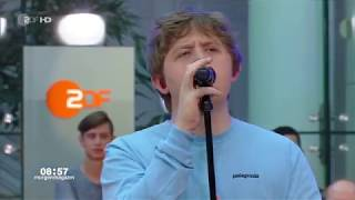 Lewis Capaldi - Someone You Loved / Hold Me While You Wait (ZDF-Morgenmagazin - 2019-06-18) Video