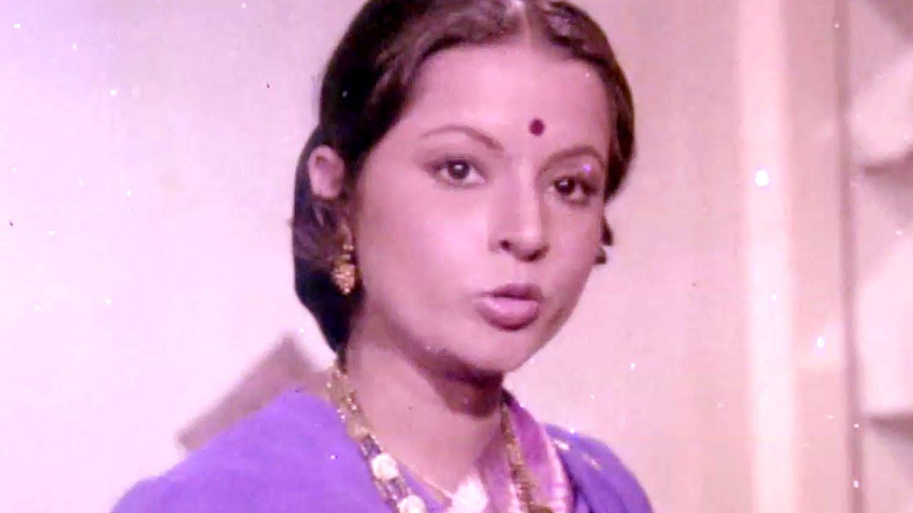 Dina Pathak troubles Farooq Sheikh's wife Rita Bhaduri ...