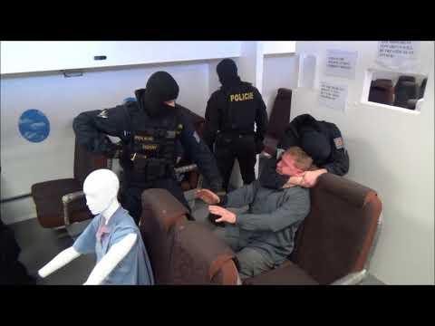 Policie ČR: Výcvik OMZ - Pasivní Agresor