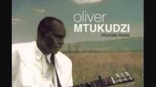 Oliver Mtukudzi - Kusekana Kwanakamba (Vhunze Moto) Zimbabwe