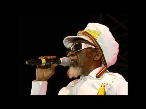 Bunny Wailer - Keep On Moving (Live At Red Rocks)