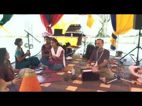 Bhajan - KulimeLA Day 2 - Radhika Manchanda dasi (2/7)