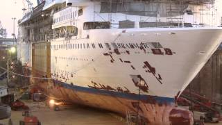 Time-lapse Braemar Ship Transformation. Ship is cut in half and remodeled.