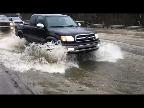 Heavy rains cause flooding on East Brainerd Road in Chattanooga