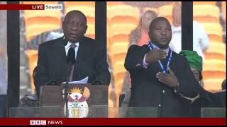 Repeat youtube video Fake Interpreter at Nelson Mandela Service