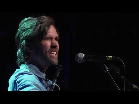 Willie Watson - Always Lift Him Up And Never Knock Him Down (Live on eTown)