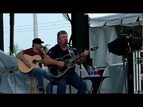 Joe Diffie SHIPS THAT DON'T COME IN Live 5/31/12 Hugefest Cape Coral Florida Roots & Boots