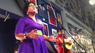 La Santa Cecilia- Love Came Here