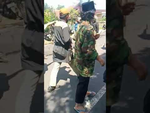 Kejaksaan Tasikmalaya Rusuh, Mobil Polisi Dirusak Massa