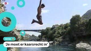 Kinderen in Bosnië oefenen voor sprong van super hoge brug
