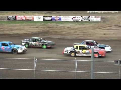 IMCA Stock Car feature Independence Motor Speedway 6/25/16