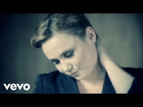 Клип Tina Cousins - Sex On Fire