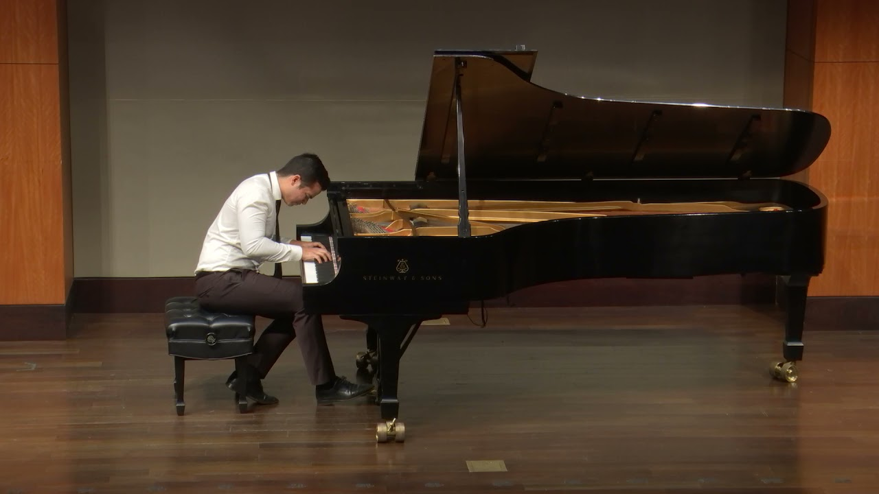 Ahmed Alom plays Bach: Toccata in D major, BWV 912