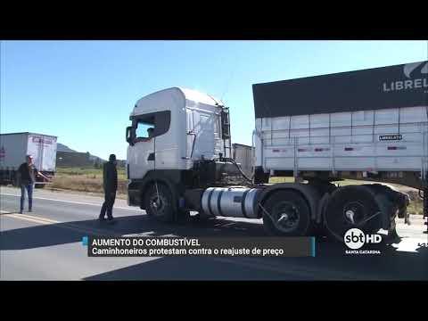 Caminhoneiros protestam em Navegantes contra o aumento do combustível