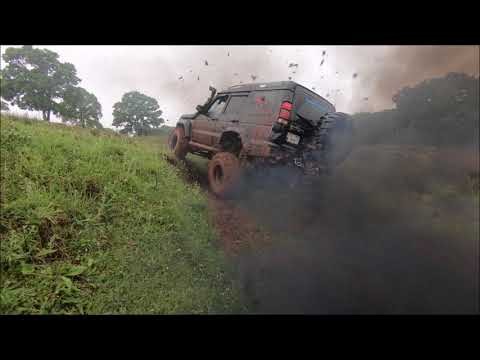 Land Rover Discovery TD5 - 37''   **Rainy OFF-ROAD day**