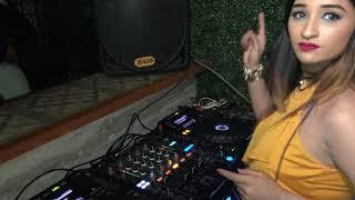 Dj Piyu Playing Live Dum Maro Dum At Backstage Club , Pune ( Bollywood Retro Songs )