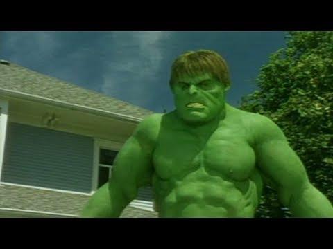 Scary Movie 3 - Hulk vs Aliens  Hulk vs