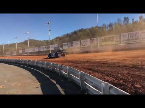 Stephen Martin rocking the Red Clay @ Clay Valley Speedway!