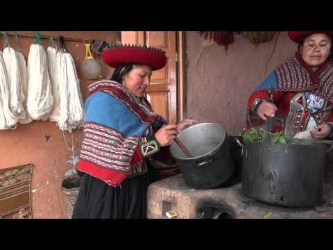 Proceso de elaboración de tejidos por artesanas Minka - Chincheros, Perú