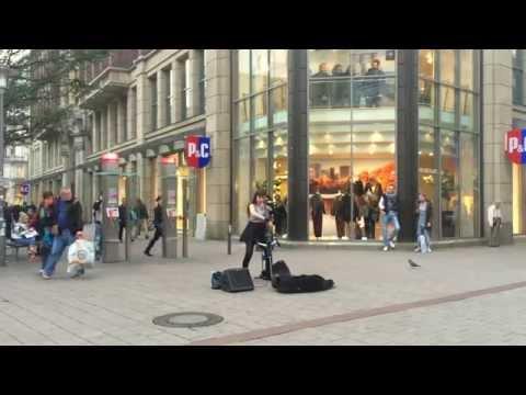 Street Cello Player Hamburg part 2