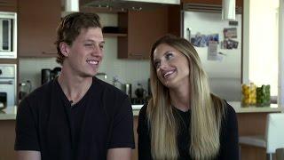 Emmeli och Rickard berättar om första tiden ihop.  - Playmakers (TV4)