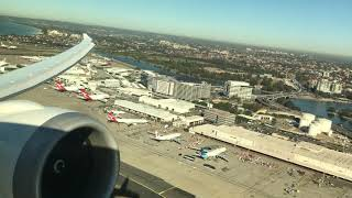 United 787-9 Takeoff from Sydney