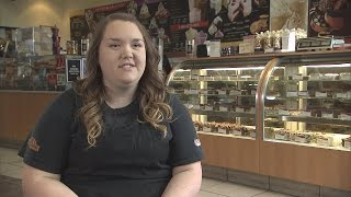Employee at Cold Stone Creamery Insulted After Customer Allegedly Fat-Shamed Her