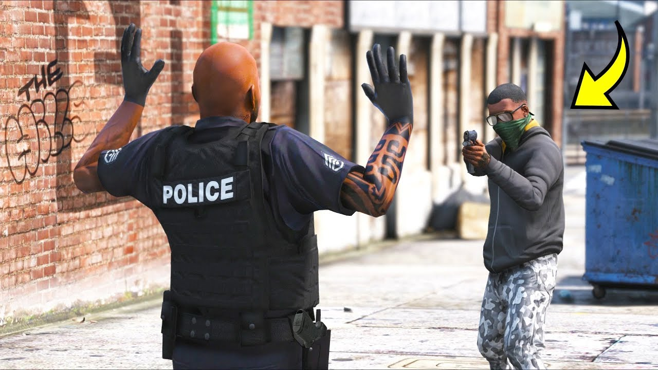 Is it possible to rob a COP on the street?! (GTA 5 Mods - Evade Gameplay)
