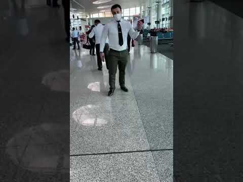 Позорное поведение сотрудников аэропорта Звартноц г. Ереван Арменя.