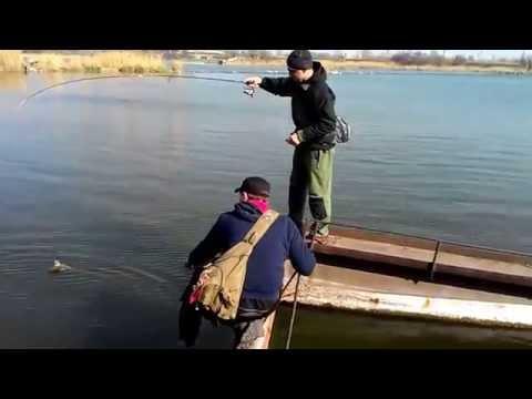 Смешное рыбацкое видео - Я увлечен рыбалкой.