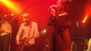"""A Formal Invitation"" & ""Old Stepstone"", Cold Specks - Paris, Septembre 2014"