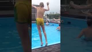 Нашли открытый бассейн в Москве)) Лето в Москве АниК )))