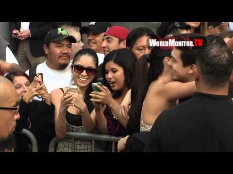 Selena Gomez shows mad love for the fans at 'Behaving Badly' Los Angeles premiere