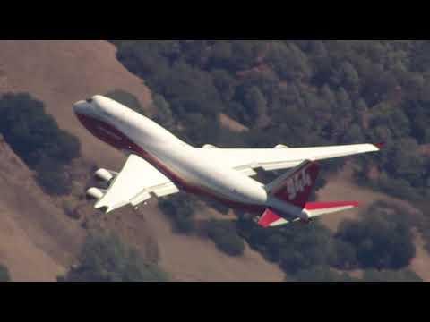 Boeing 747 Global SuperTanker at the LNU Lightning Complex fires