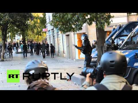 RAW: Demo against police brutality turns ugly in Nantes, France