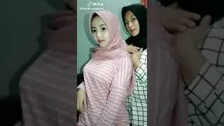 Tik Tok -- Sma Hijab Cantik Imut Banget😘😘😘