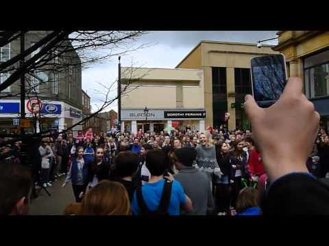 Harrogate Flash Mob 2012 - Brought to you by Harrogate Hospitality & Tourism Awards