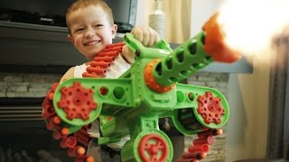 One of GunVsGun's most viewed videos: Nerf War: Gun BABY 6!
