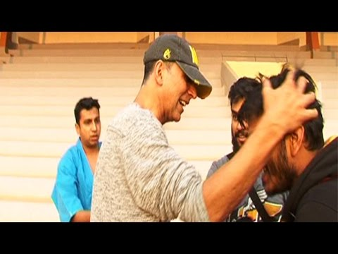 Akshay Kumar HITS A Reporter During Bike Stunt Gone Wrong Mp3