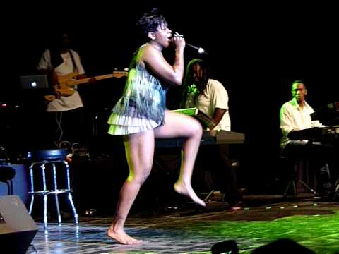 Fantasia, Live 2010 Jackson MS ~ Move On Me